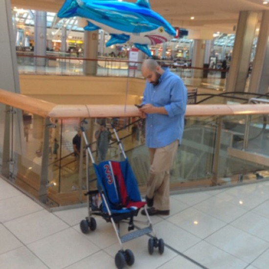 men-waiting-for-women-shopping-3