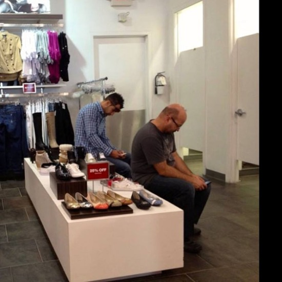 men-waiting-for-women-shopping-4