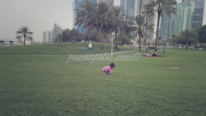 We waited to hear the canon shot/ azaan while Little Z inspected the grass qaulity